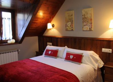 Habitación rústica Hotel Beret Vielha