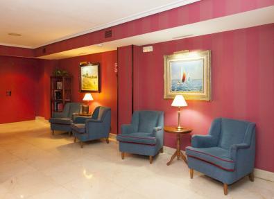 Salón descansillo Hotel Los Bracos Logroño