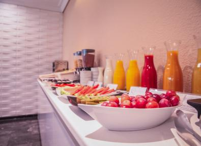 Buffet desayuno Hotel Serrano Madrid
