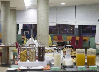 Desayuno buffet Hotel Viladomat Barcelona