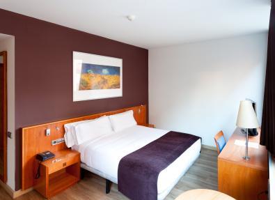 Habitación doble básica  Hotel Viladomat Barcelona