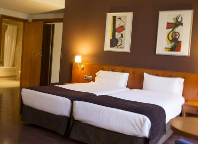 Habitación doble dos camas Hotel Viladomat Barcelona